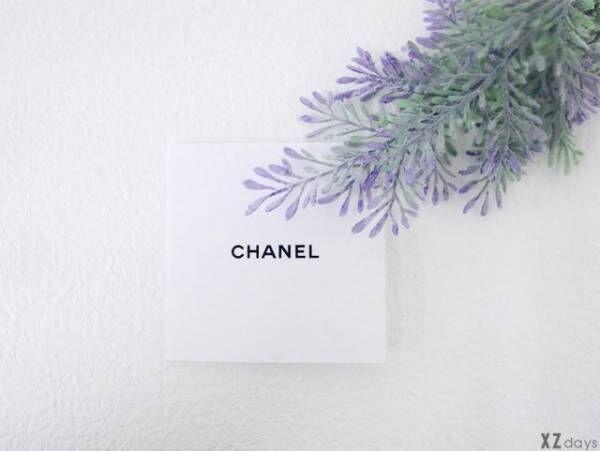 シャネルロゴと花
