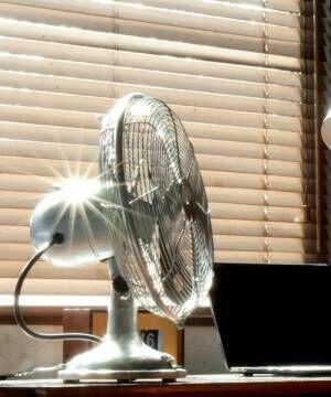 HERMOSAの卓上扇風機