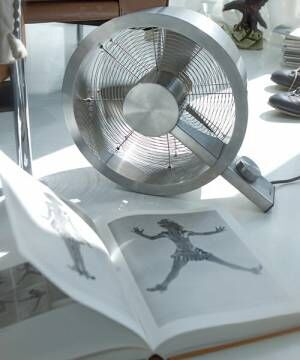 Stadlerformの卓上扇風機