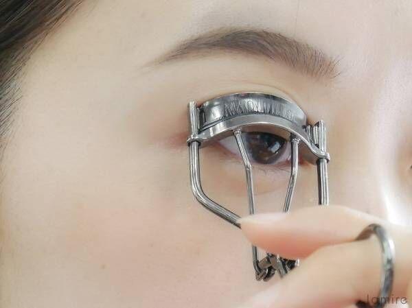 やむを得ずメガネの日も安心!真面目&コンサバにならないメイク方法教えます