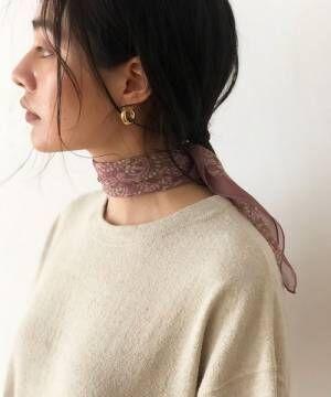 シースルーの柄スカーフ