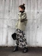 花柄スカートを履けばいいだけ!冬のニットコーデに春オーラをプラスして