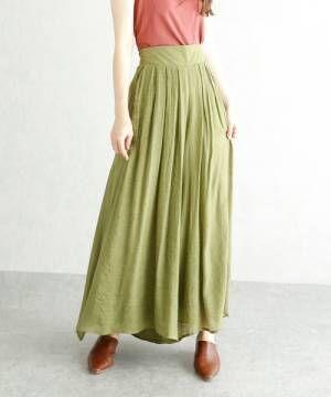 ピスタチオカラーのフレアスカート