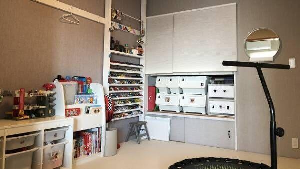 我が家の子供部屋収納術片付けも楽しくあふれるトミカはdiy棚で