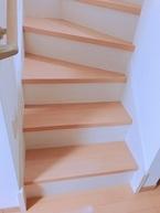 <プチプラ・おしゃれ・カンタンDIY>階段を100均アイテムでリメイクしませんか?