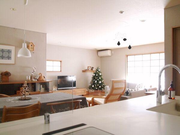 たった3畳のパントリー収納でオープンキッチンが快適に