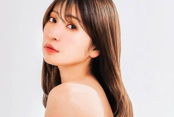 ますますきれいなアカリンに見惚れる… その美肌・美髪を支えるアイテムとは?