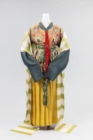 日本女性の衣服の移り変わりを巡る展覧会「再現 女性の服装1500年─京都の染織技術の粋─」がまもなく終了 古墳時代から明治時代初期までの女性の服装の変遷