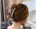 Qoo10 Fashion Trend Report #15 秋のニュアンスヘアづくりに役立つヘアクリップ!手軽に、大人カジュアルで可愛いヘアスタイルへ